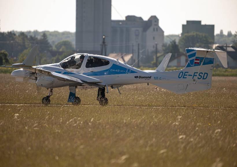 AVX-Diamond-da42-automatic-landing