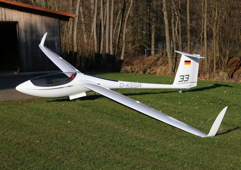 AVX-as33-alexander-schleicher-maiden-flight-fullview