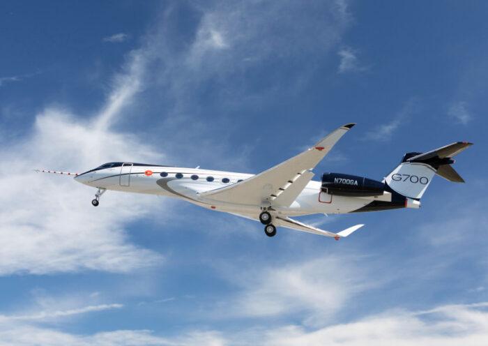 AVX-All-New Gulfstream G700 Makes First Flight