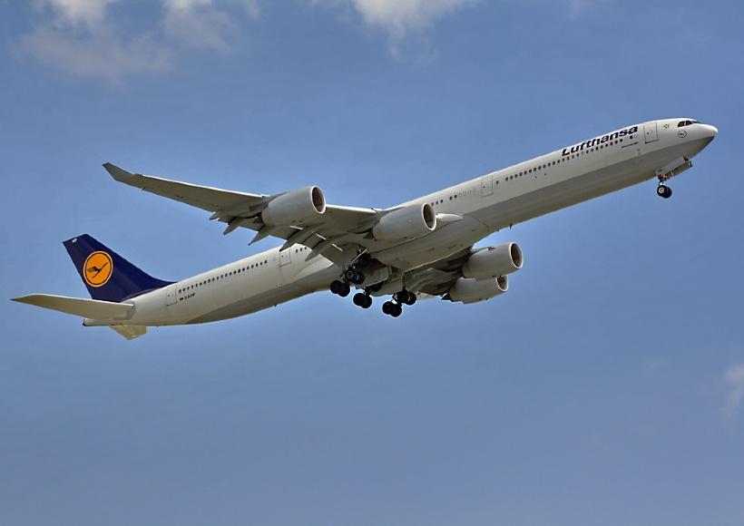 AVX-Lufthansa-a340-600-infight-bjoern-schwarz