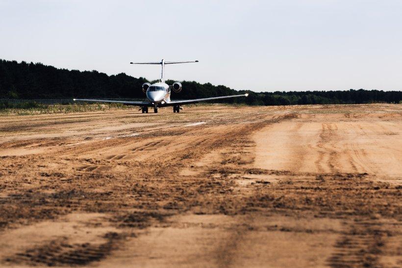 AVX-pc-24-super-versatile-jet-muddy-runway