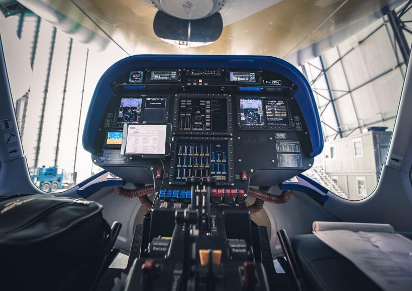AVX-zeppelin-nt-goodyear-blimp-cockpit
