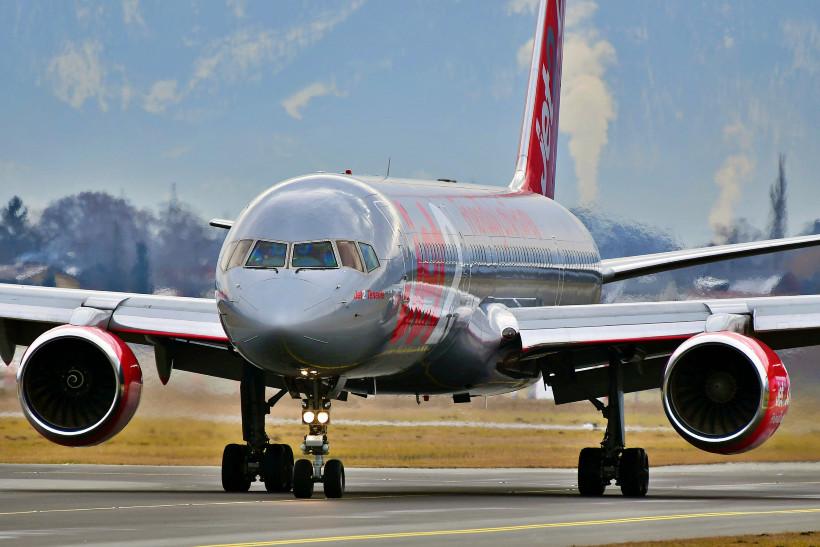 AVX-quiz-jet2-757-pixabay